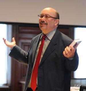 Dr. Eduardo Echeverria